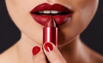 merk lipstik yang tahan lama dan tidak luntur saat makan