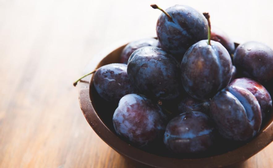 manfaat buah plum hitam