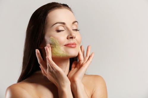 Cara menggunakan facial scrub