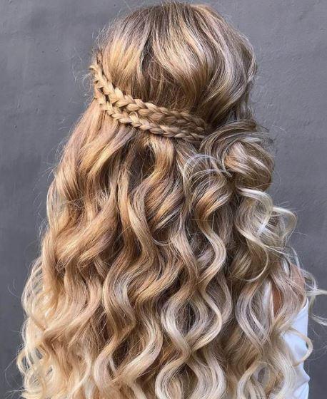 model rambut wisuda 1