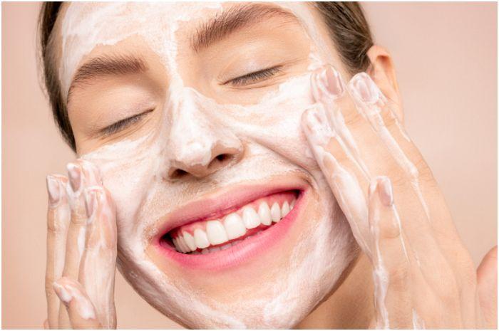 review ponds acne solution facial foam
