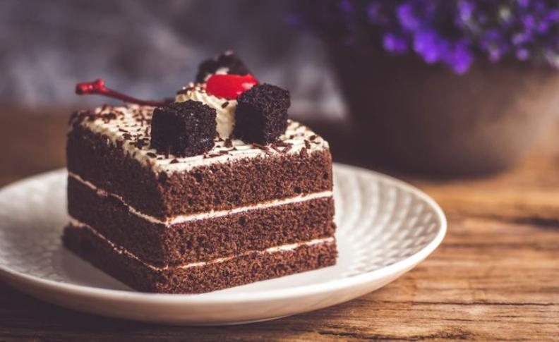 makanan yang harus dihindari saat diet